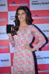 Kriti-Sanon-at-Samsung-Galaxy-Note-5-launch-4