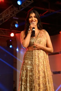 Shruti-Hassan-at-Puli-Movie-Audio-Launch-7