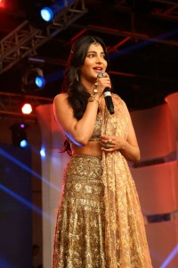 Shruti-Hassan-at-Puli-Movie-Audio-Launch-8