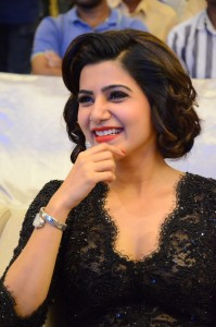 Samantha-Still-at-a-aa-movie-9