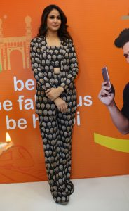 Lavanya Tripathi @ Happi Mobiles Grand Store launched