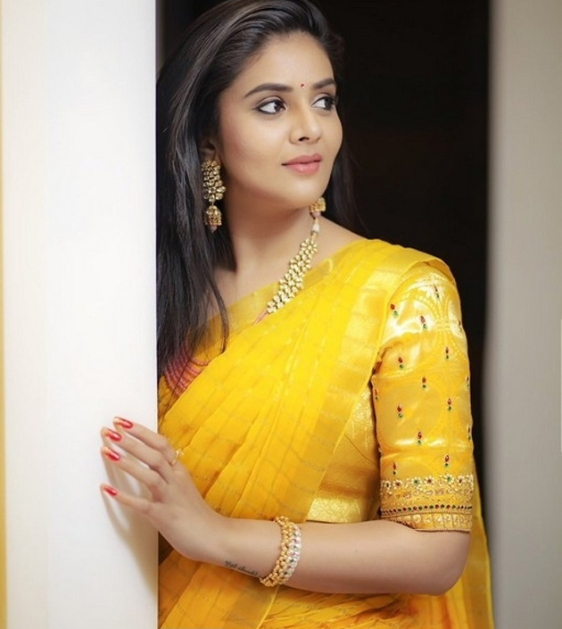 Anchor SreeMukhi Latest Photo Shoot Stills